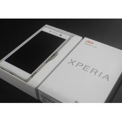 au XPERIA Z4 SOV31 ホワイト