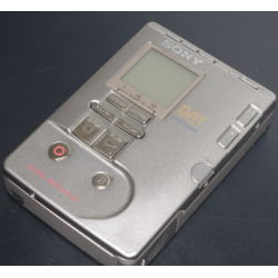 SONY TCD-D100 レコーディングDATウォークマン