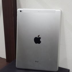 iPad Air Wi-Fi +Cellular 128GB シルバー