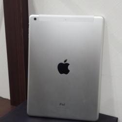 iPad Air Wi-Fi +Cellular 128GB シルバー