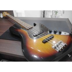 質預り・買取り品-楽器 フェンダー ベース