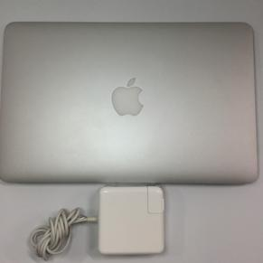Apple MacBook Air MD223J/A